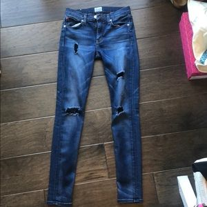 Hudson mid rise nico super skinny jeans. Size 25